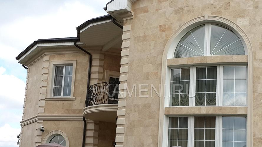 Отделка фасада дома натуральным камнем