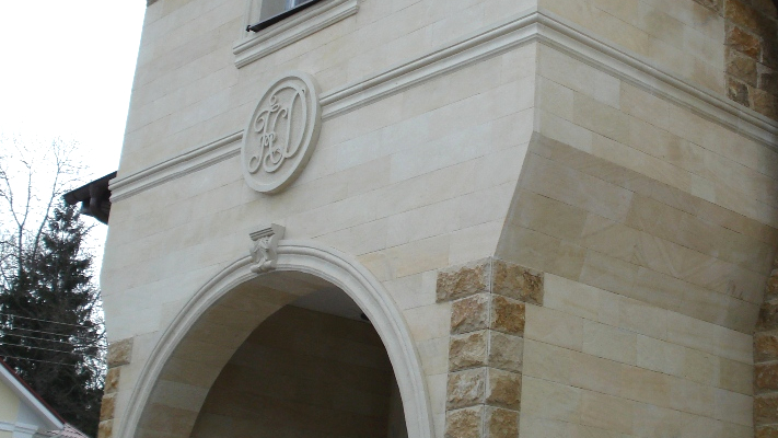 Декоры и мозаика из камня