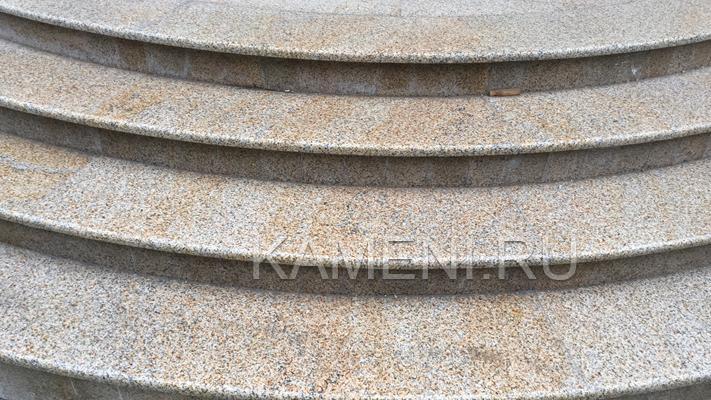 Радиальные гранит. ступени (Новая Рига 0553)