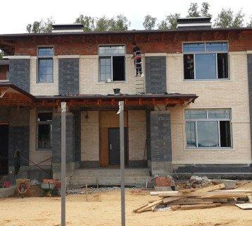 Комбинированный фасад